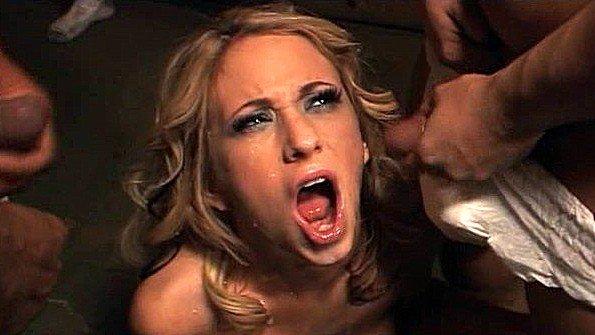 Порно подборка удивительных камшотов после долгих оральных ласк