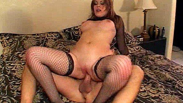 Грудастая шлюшка отчаянно ебется в жопу после своей мастурбации