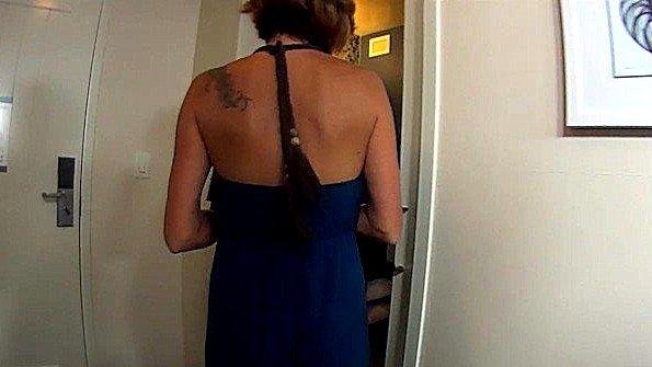 44 летняя домохозяйка дождалась мужа в душе и страстно отдалась