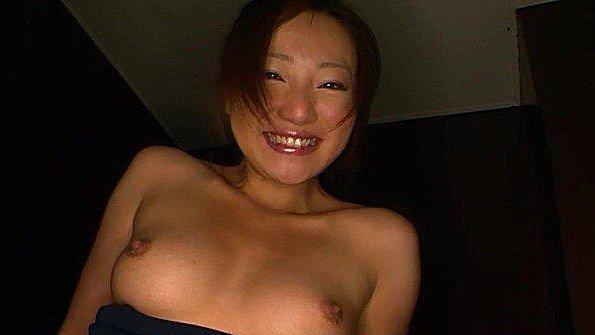 Шаловливую азиатку дико трахают секс игрушками до оргазмов