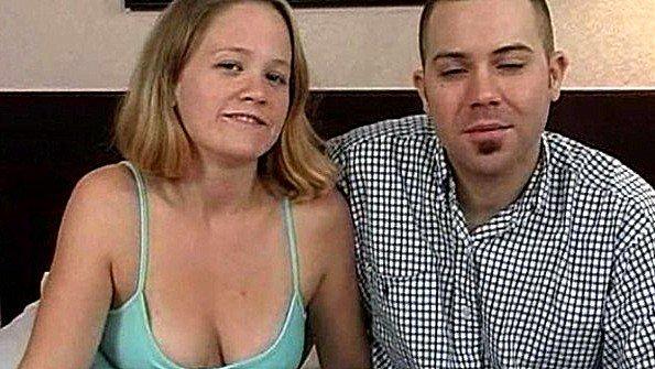 Жена с красивой задницей позволяет мужу потрахать ее и кончить