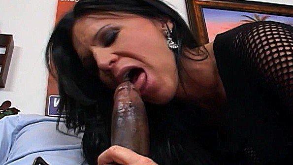 ебут горло сперма