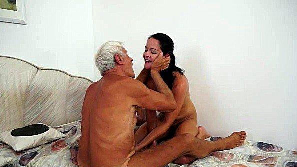секс целки ебут видео