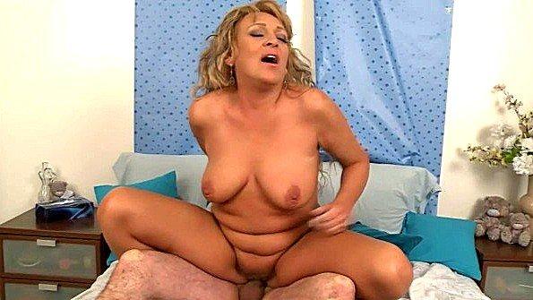 порно ролик мама ебал сын
