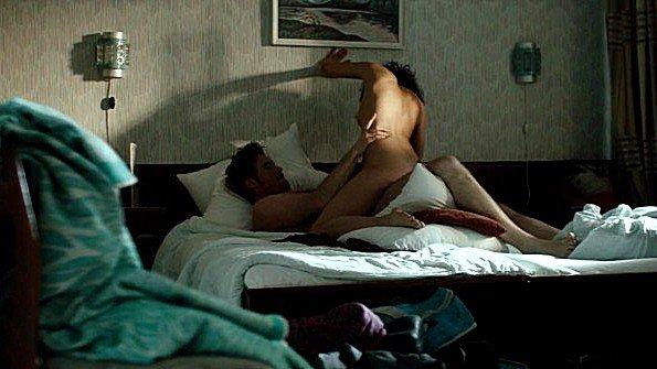 Lucie Heinze безжалостно трахается с партнером в сцене из фильма