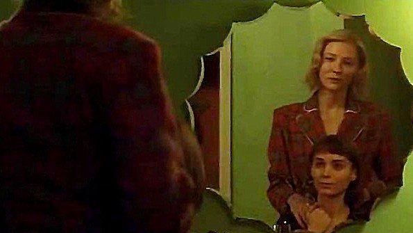Кадры из знаменитого фильма с лесбийскими отношениями главных героинь