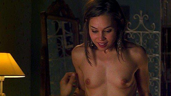 Сцена радостного секса между знаменитой актрисой и ее партнером