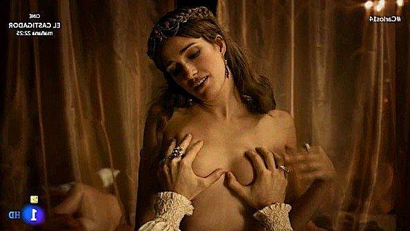 Пробрался в будуар королевы и трахает ту в знаменитой сцене из фильма