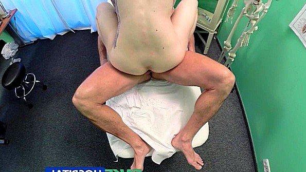 смотреть порно бабка анал огромные сиськи оргия