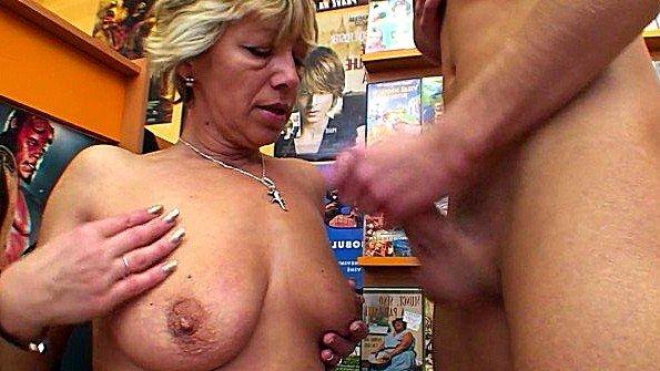 секс порно ебал тетю