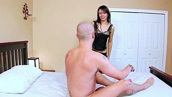 жестко трахают пизду порно