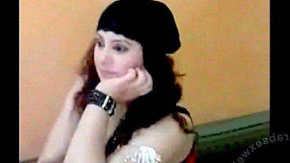 Арабская девица не жалеет сраку в сексе со своим супругом