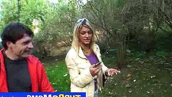 Женушка ушла на прогулку с другим мужиком и отдалась ему в лесу