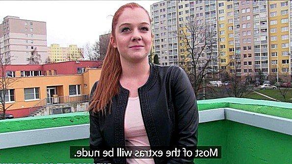 Чешская девушка рада отработать финансовый гонорар дырками