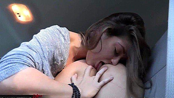 порно молодые сиськи жестко