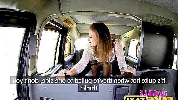 Пассажирка страстно трахается с таксистом в попочку и обалдевает