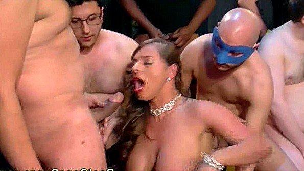порно видео парня трахают в жопу