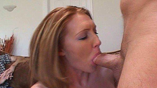 Жена за 40 с большой грудью пробует член нового любовника